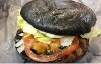 """汉堡王推出""""黑暗料理""""全黑堡卖相惊人"""